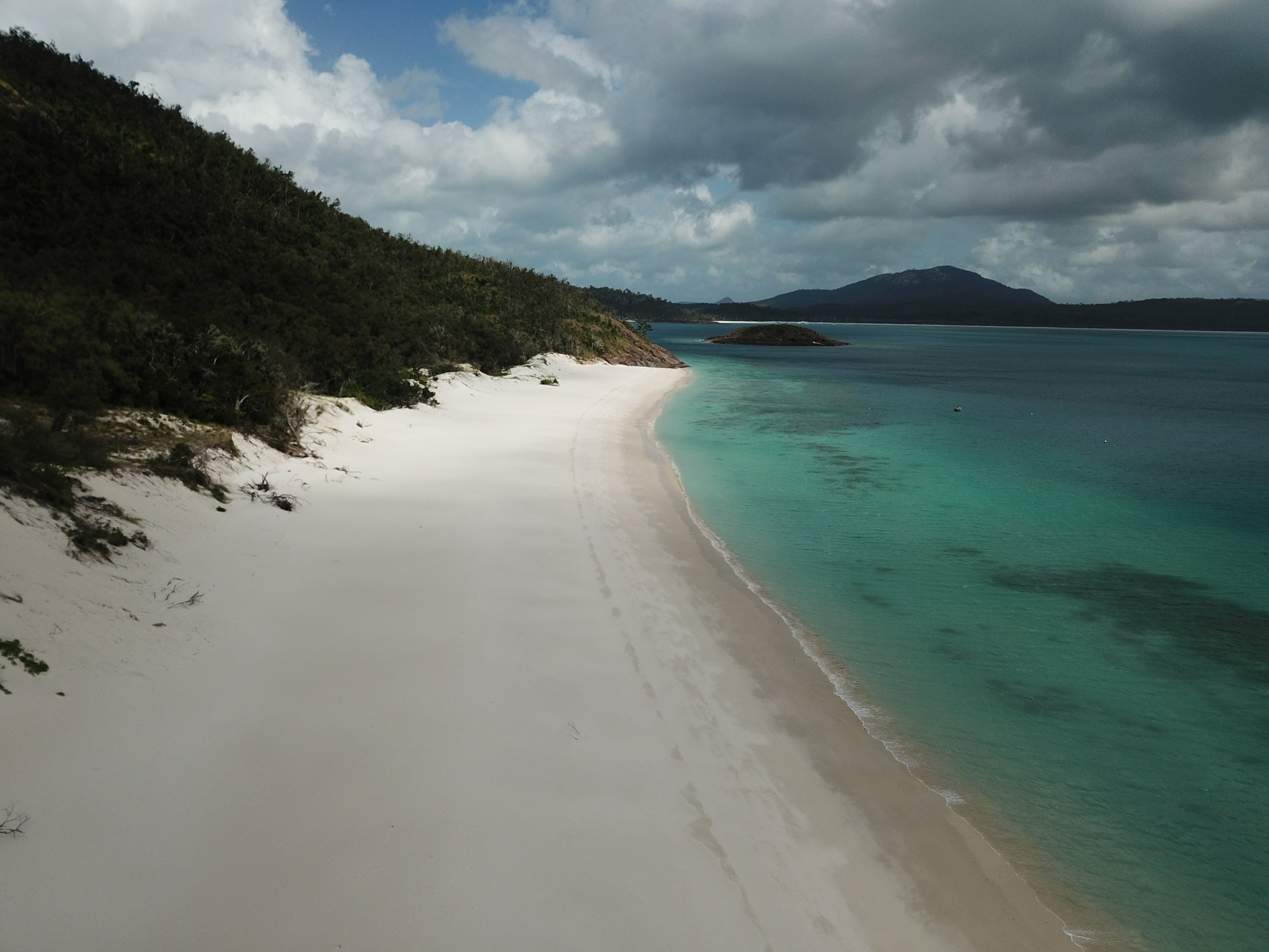 Chalkies Beach, Hazelwood Island in the Whitsundays